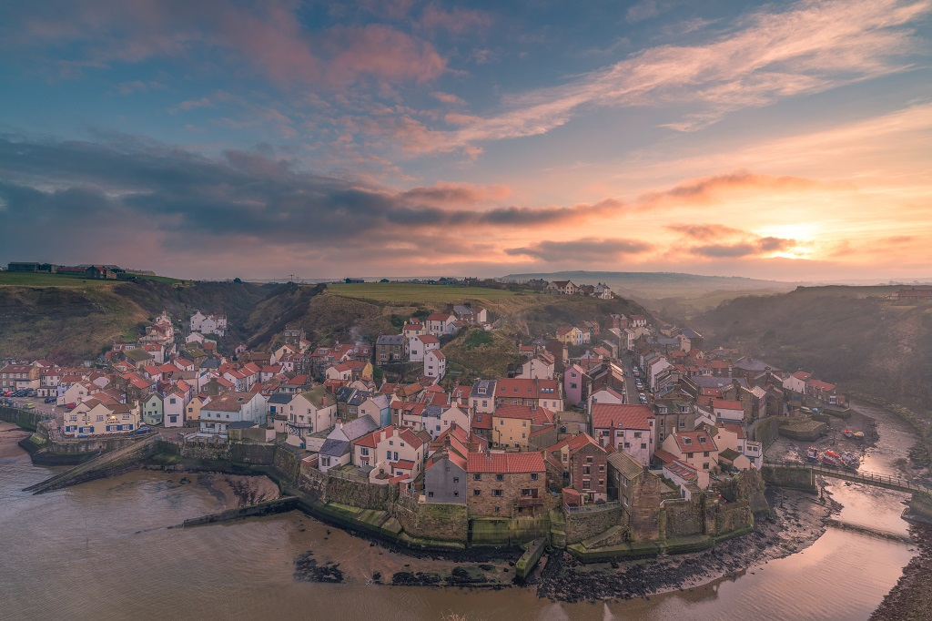 Misty-sunset-Staithes